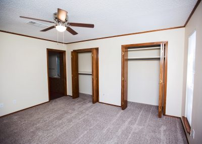 Quail-Creek-pet-friendly-duplex-bedroom